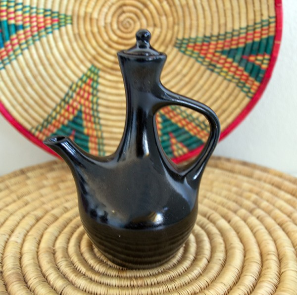 kleine Jebena ጀበና aus Porzellan